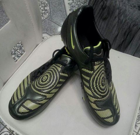 Бутсы, копочки Nike T90, р. 46, 29,5см