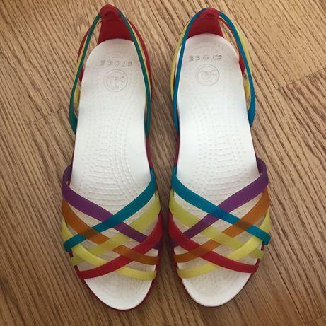 Crocs coloridos