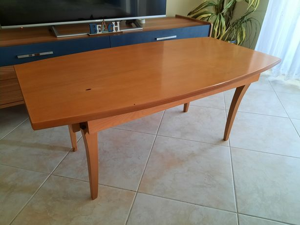 Mesa de centro de sala em madeira