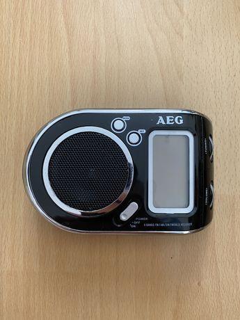 Radio przenośne bateryjne AEG WE 4125 FM AM Czarne AAA