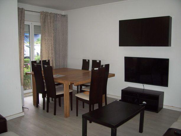 apartamento remodelado muito bem localizado e soalheiro