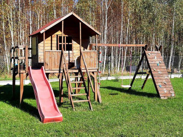 Drewniany domek dla Dzieci, plac zabaw