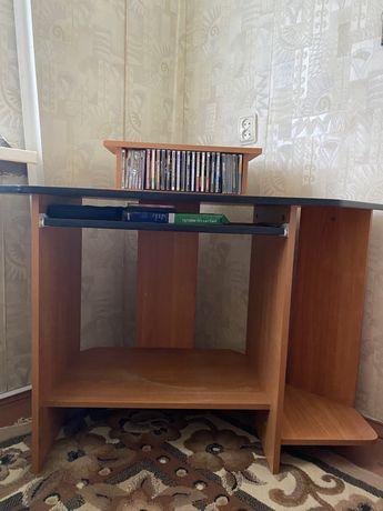 Стол компьютерный, угловой