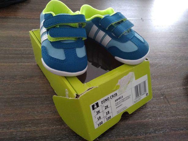 Ténis/ sapatilhas criança tamanho 18, 20, 21 e 22