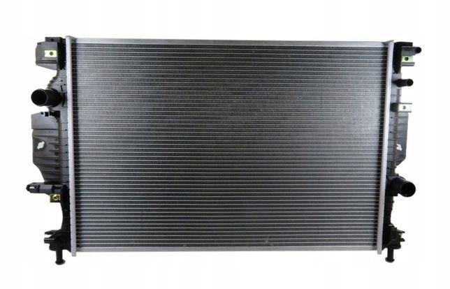 Радиатор охлаждения Ford Fusion 13-