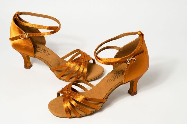 Туфли для бальных танцев Латина 6,5 см клёш Betty Dance