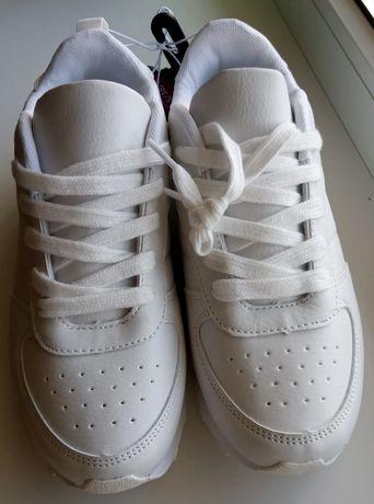 Белые кроссовки Primark (Примарк)