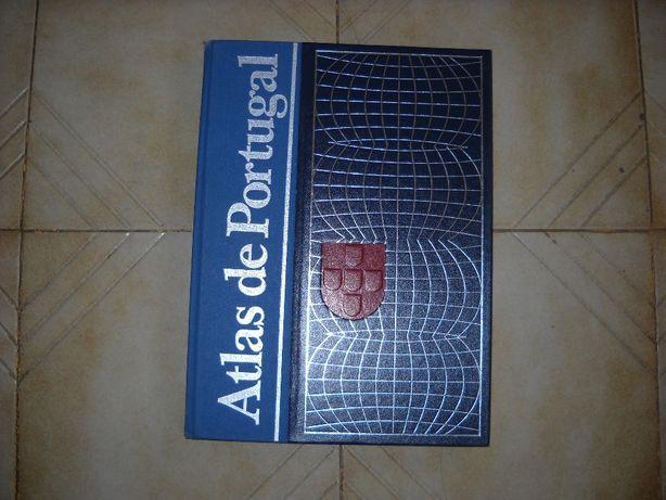 Vendo Atlas de Portugal e 2 dois volumes da História Universal