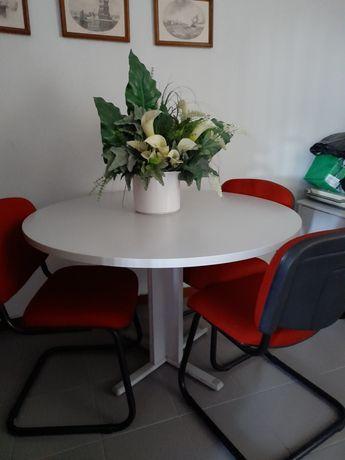 Mesa de reuniões + cadeiras escritório