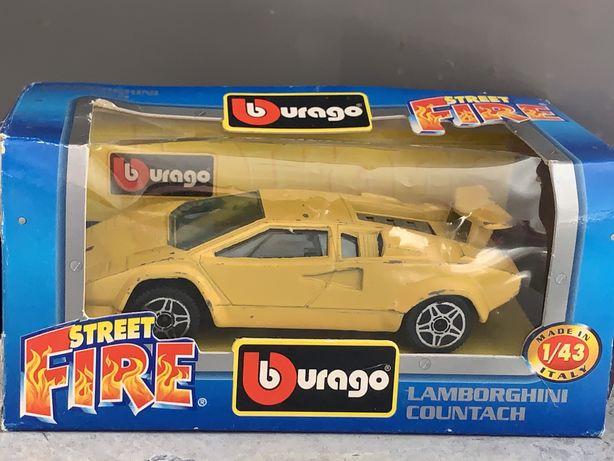 "Модель авто 1/43, ""Lamborghini Countach"", made in Italy."