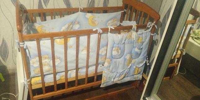 Продам кроватку в хорошому стані+матрас