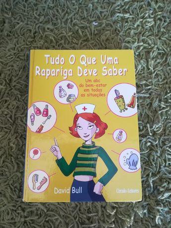 """Livro """"Tudo o que uma rapariga deve saber"""""""