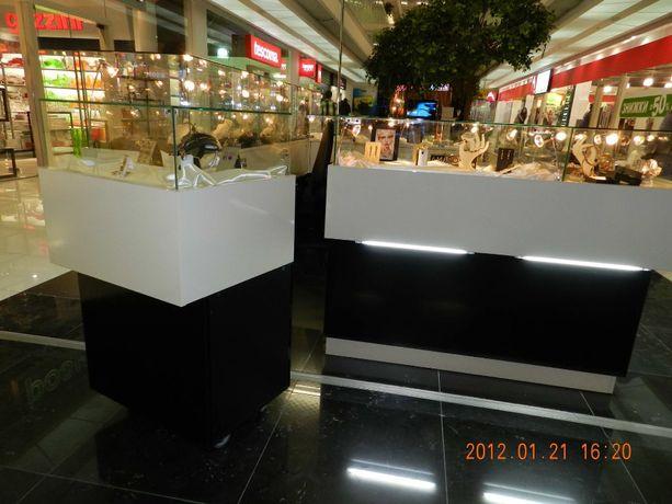 Витрины,торговое оборудование,мебель для торговли