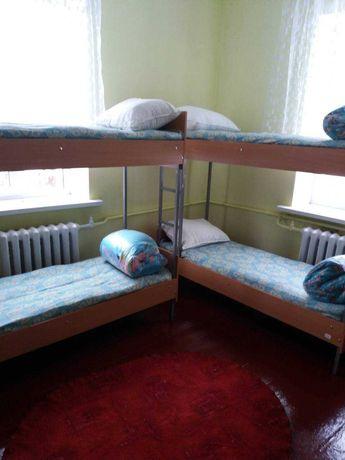 сдам койко место в новом хостеле на метро Житомирская