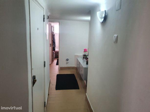 Apartamento t1 em Caxias