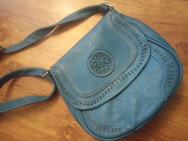 Damska torebka niebieska wzory