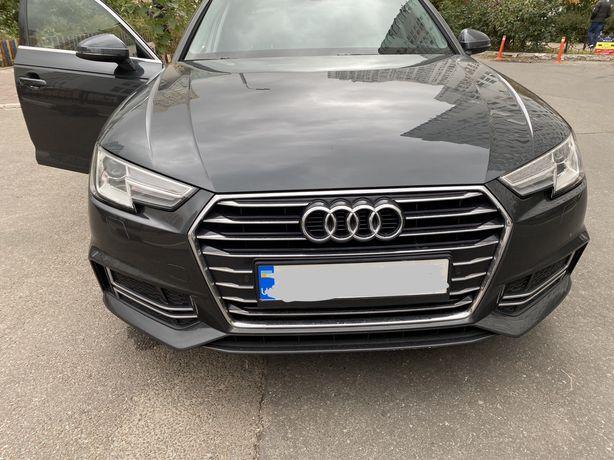 Audi A4 - 2019 год Америка