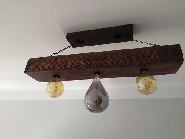 Rustykalna lampa, belka drewniana