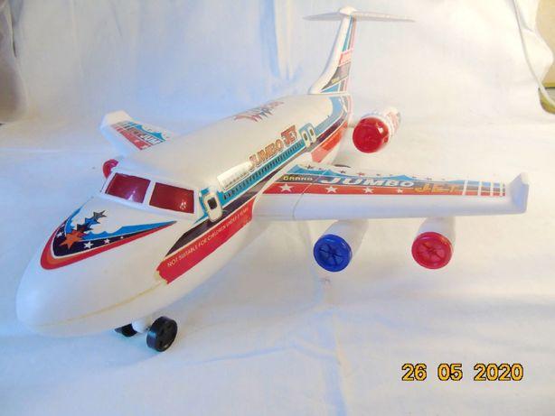 Продам игрушечный самолёт