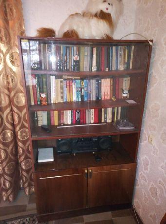 Продам шкаф для книг.