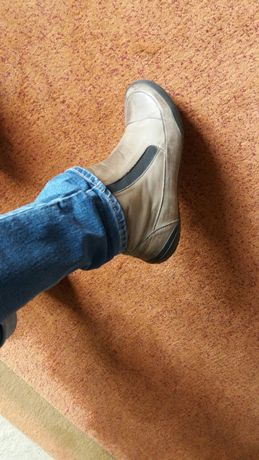 Кожа.кроссовки-туфли.39 размер.300 гр. Европа.