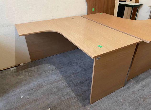 Офисная мебель много разной