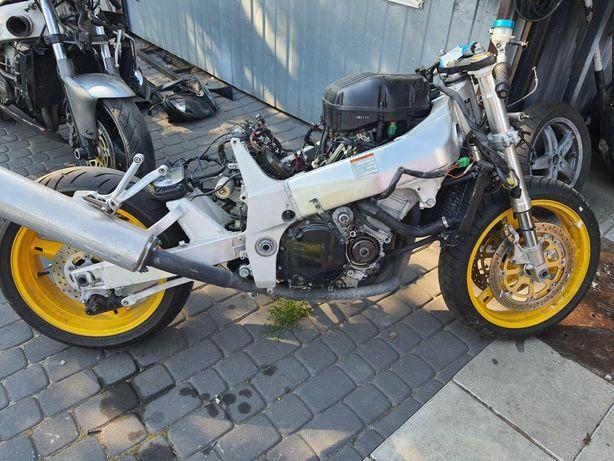 Suzuki gsxr 600/750 K1 K2 K3 transport