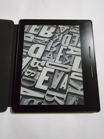 Продам Kindle oasis 8 покоління. З чехлом-акумулятором.