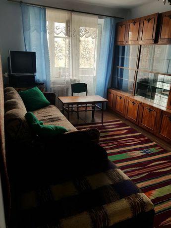 Простора 2-кімнатна квартира, в тихому жилому районi.