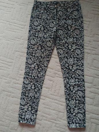 Красиві штани, класичного фасону, 36 (S) розмір.