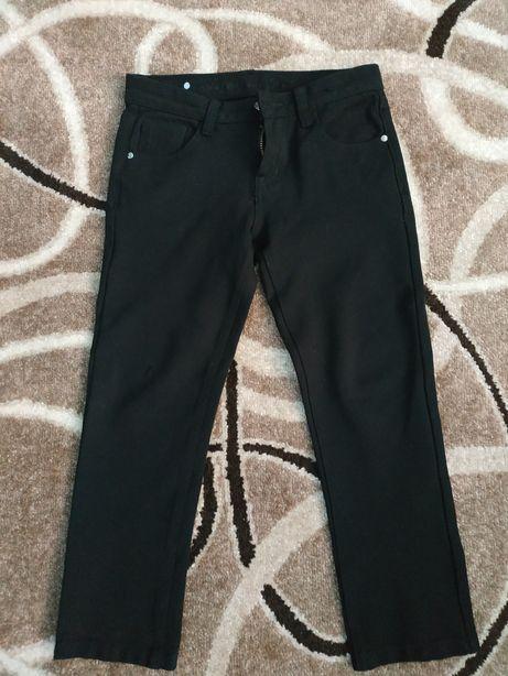 Продам стрейчевые брюки на мальчика