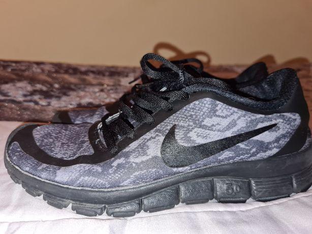 Sapatilhas Nike T39 (calça 38)