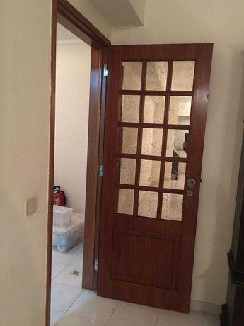 Portas de madeira com espelho envelhecido   novo valor