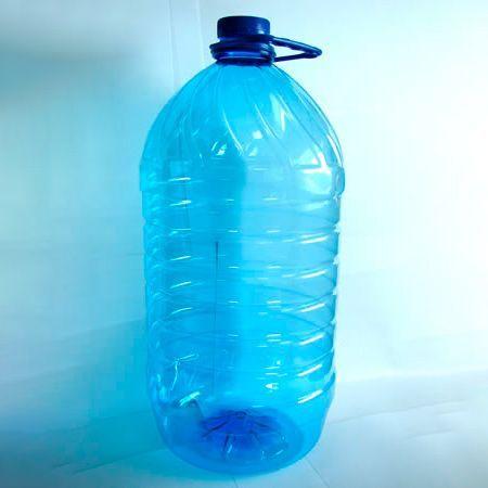 Продам бутылки 5, 6 л