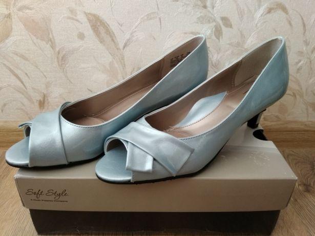 Продаю женские туфлиSoft Style Aubrey размер 10 (40 - 41)