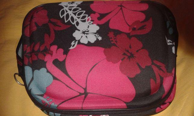 nowe - duży kufer na kosmetyki / kosmetyczka