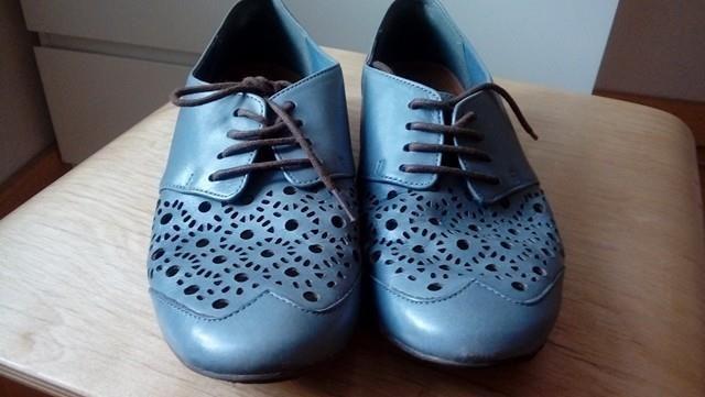 półbuty ażurowe clarks niebieskie błękitne buty jak nowe
