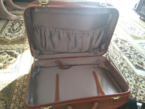 Радянський чемодан шикарний