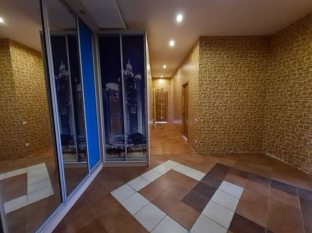 Продам 100 м2 в новом доме  ул Розы Люксембург / пр Мира
