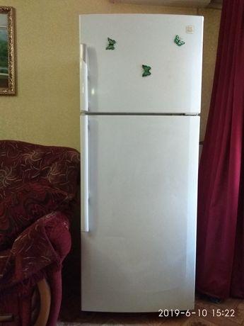 Продаю холодильник DAEWOO FN-651 NO FROST двухкамерный