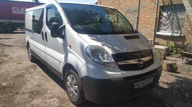 Продам Opel Vivaro грузопасожир