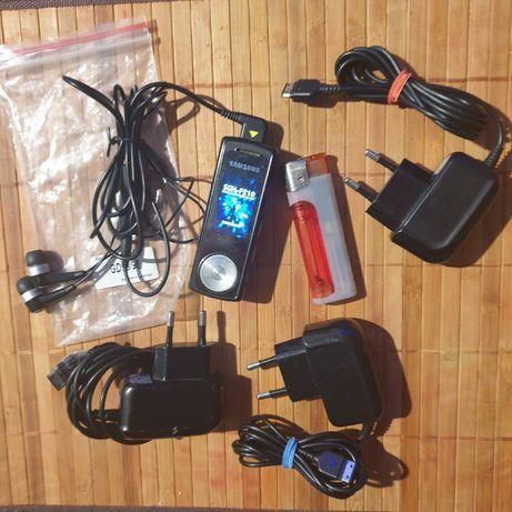 Promocja.okazja.tanio.Samsung SGH-F210 trzy ładowarki.nowe słuchawki.