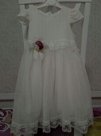 Нарядное платье 116 р.