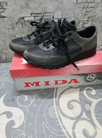 Кожаные кроссовки Mida 35 размер
