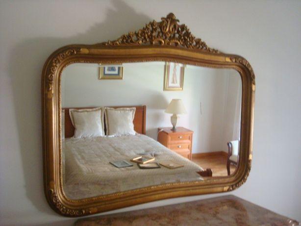 espelho dourado.