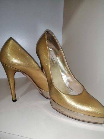 Туфли Gucci оригинал золотого цвета 35 размер