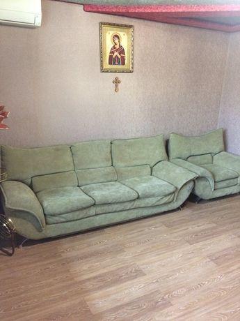 Мягкая мебель диван-кровать и кресло