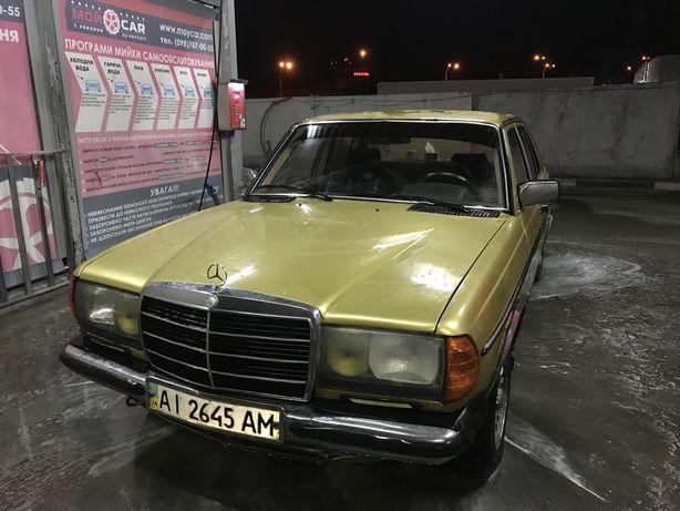 Mersedes W123