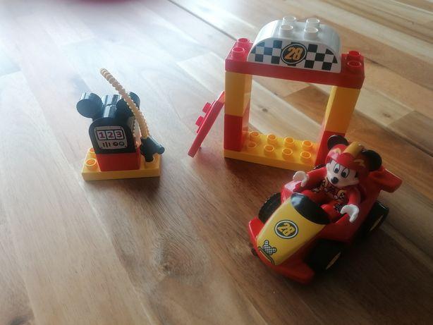 Lego duplo wyścigówka Mikiego.