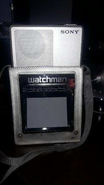 Портативный телевизор Sony FD-40A Watchman 1982